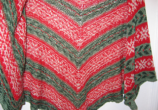 Deck_the_halls_shawl_006_small2