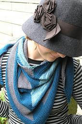 Edit_childs_20111002_westknitsmystershawl_0048_small_best_fit