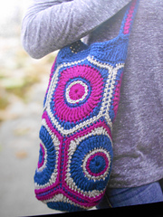 Cosmic_hexagon_tote_gocrochet_skill_builder_small