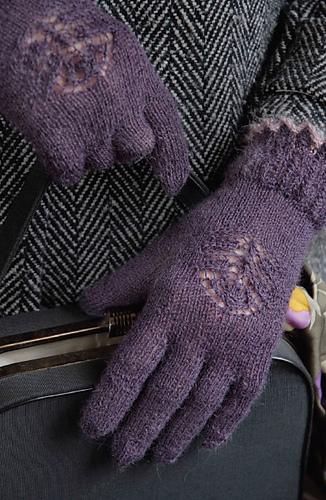 Openwork_gloves_medium