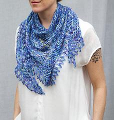 Little_wing_shawl_pattern_smile_web_small