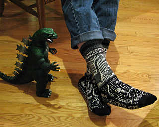 Dinosaur_walk_socks_3_sm_small2