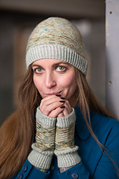 Wooltribe2_hat_mitts_lowres-2_small_best_fit