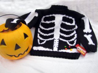 Skeleton_sweater6_small2
