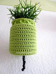 Green_crochet_planthanger_small