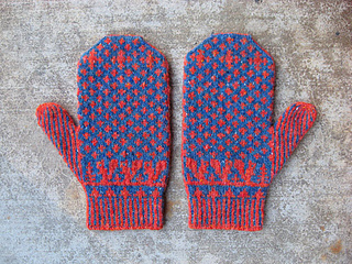 Squirrelymittens_small2