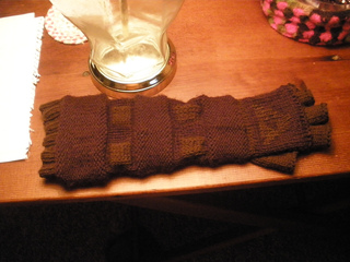 Gloves_ravelry_gauntlets_016_small2