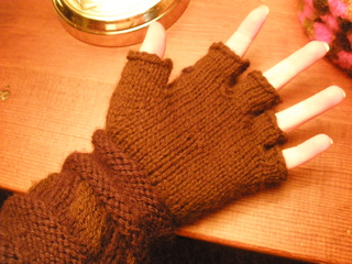 Gloves_ravelry_gauntlets_013_small2