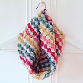 Batik-cowl-emmavarnam-1_small_best_fit