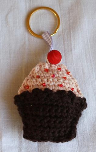 Cupcakekeyring3_medium