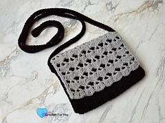 Piyumi_s_crossbody_bag_-_free_crochet_pattern