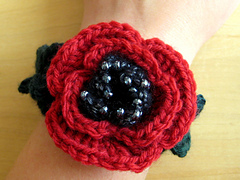 Finished_beaded_poppy_bracelet__4__small