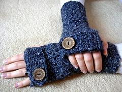 Fingerless_gloves_013_small