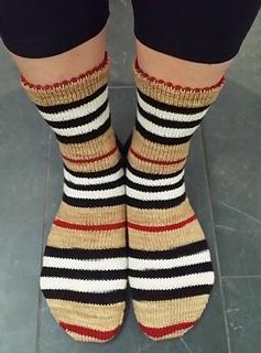 Burberry_socks_rev_small2