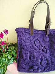 Purple_bag_with_bobbles_and_cables__1__small