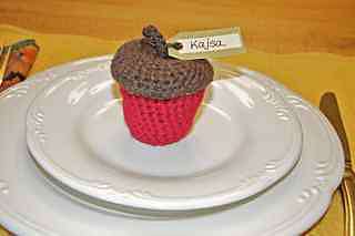 Acorn_on_plate_small2