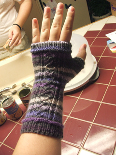 Purple_wristwarmer_2_small2