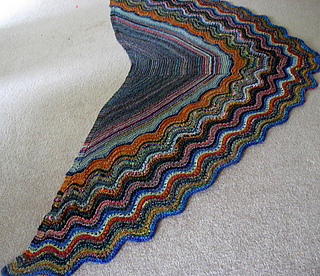 Dadzi_shawl_blocking__7__small2