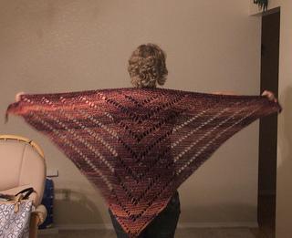 Bulky_shawl_display_small2
