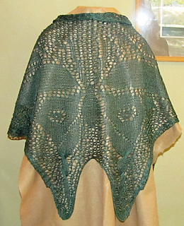 Moth_shawl_025_small2