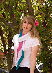 Spring-daydream-scarf-jessy-under-the-trees_small