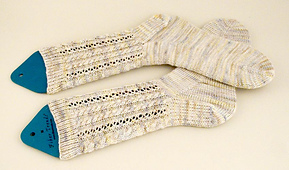 Alice's Toe Up Cable Socks  PDF