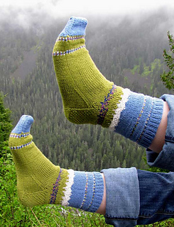 Paradise-meadow-feet-in-the-air_small2