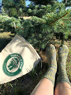 Hot-springs-socks-with-bag_small2