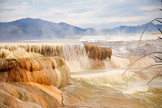 Mammoth-hot-springs-in-yellow-national-park-2_small2