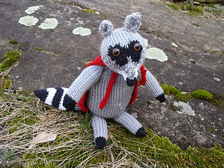 Stanascrittersetc_roland__the_raccoon_small2