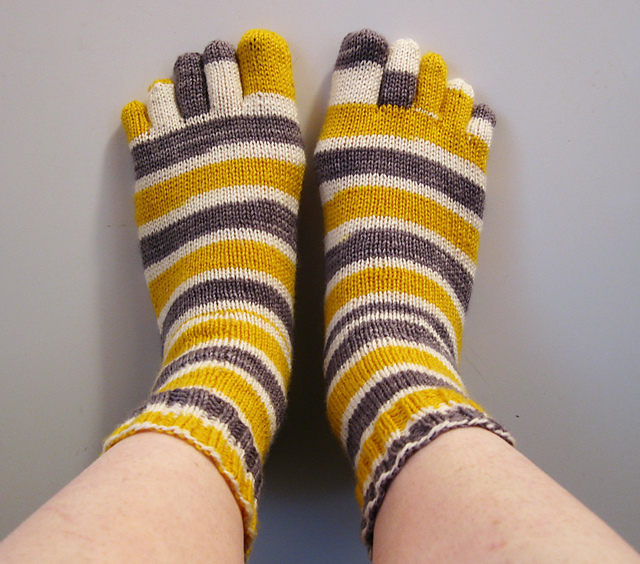 Ravelry: Basic Toe Sock Pattern / Tutorial pattern by Abigail Grasso