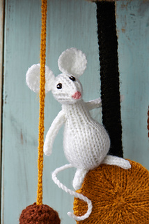 Ravelry: Hickory Dickory Dock pattern by Alan Dart