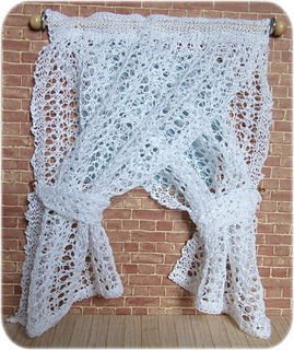 Lace_curtainsfront_small2