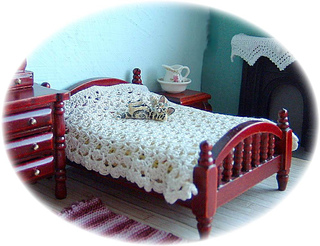 Shapedbedspread_small2