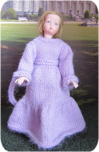 Girl_mauve_dress_medium