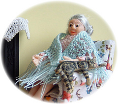 Shawl_on_lady_small
