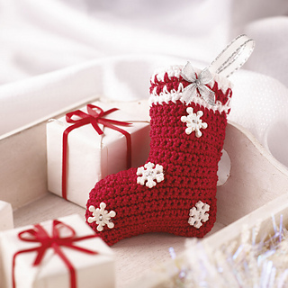 Ravelry: Little Christmas Decorations to Knit and Crochet - patterns