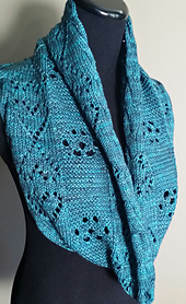 Paw_print_cowl_front_small_best_fit