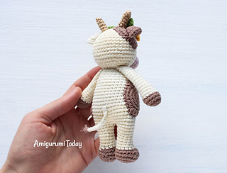 Amigurumi Patterns Cow : Ravelry cuddle me cow amigurumi pattern by amigurumi today