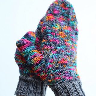 Stained_glass_latice_mittens_small2
