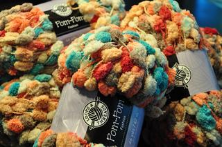 Ravelry: Loops & Threads Pom-Pom