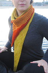 Striped_tooth_shawl_3_small_best_fit
