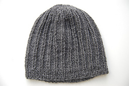 Ribbed_beanie_small_best_fit