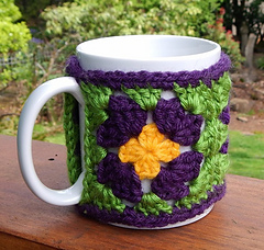 Granny_flower_cup_cozy_sm_small