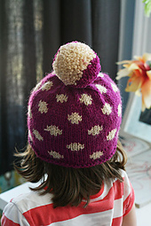 Polka_dot_hat1_small_best_fit