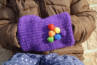 Purple_bobble_muff_closeup_small2