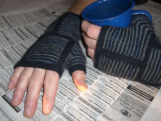 Clockmitts_zeitung_small2