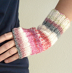Stretchy_mitts_2_small
