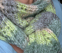 Scarf_with_two_right_sides3_small