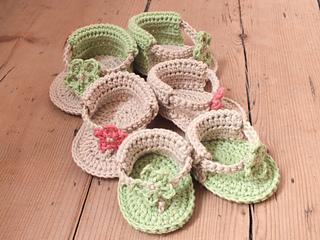 13e2542d1b9072 Ravelry  Baby Flower Sandals pattern by Hannah Cross